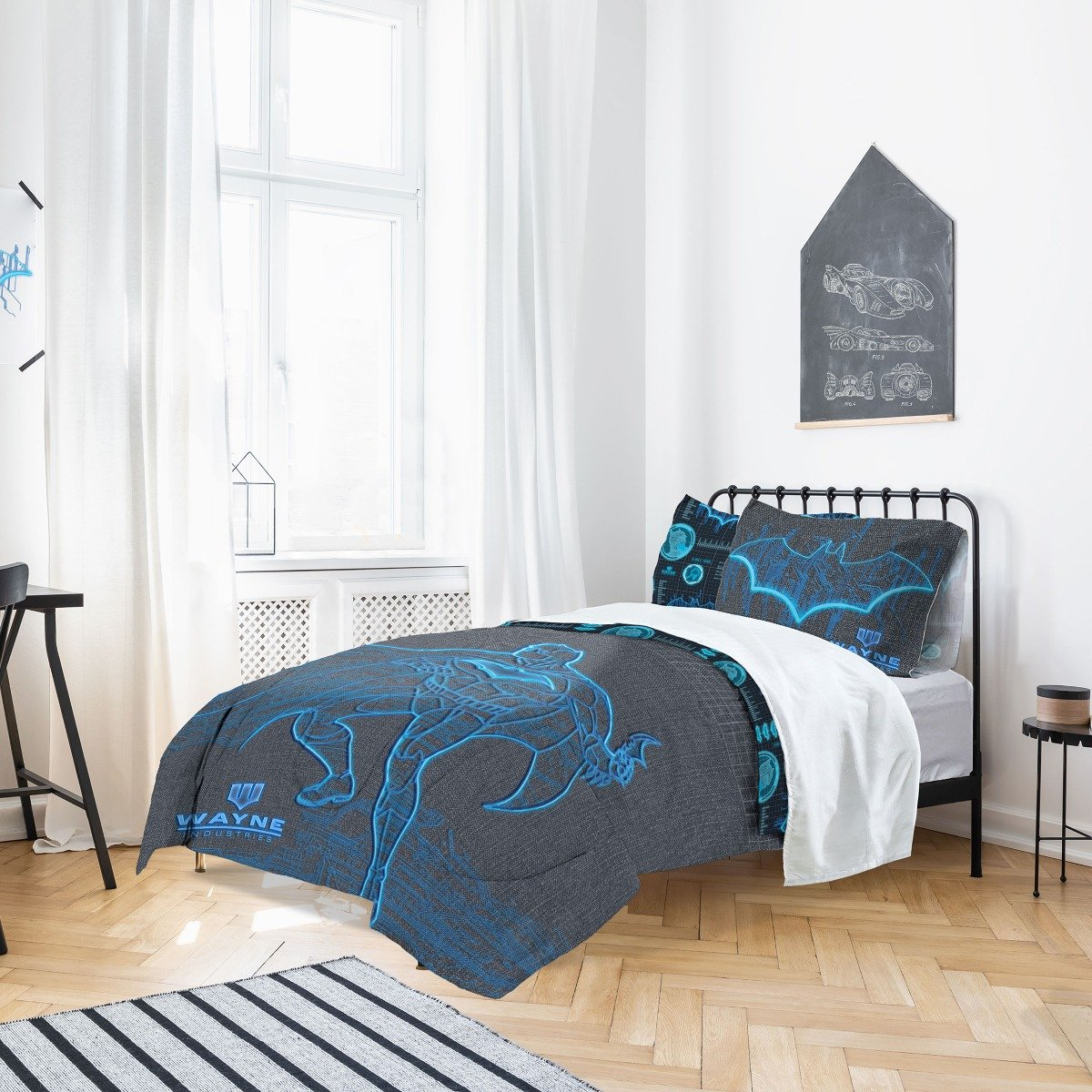 Batman Wayne Industries Bedding - Reversible Duvet Cover and Pillowcase Set