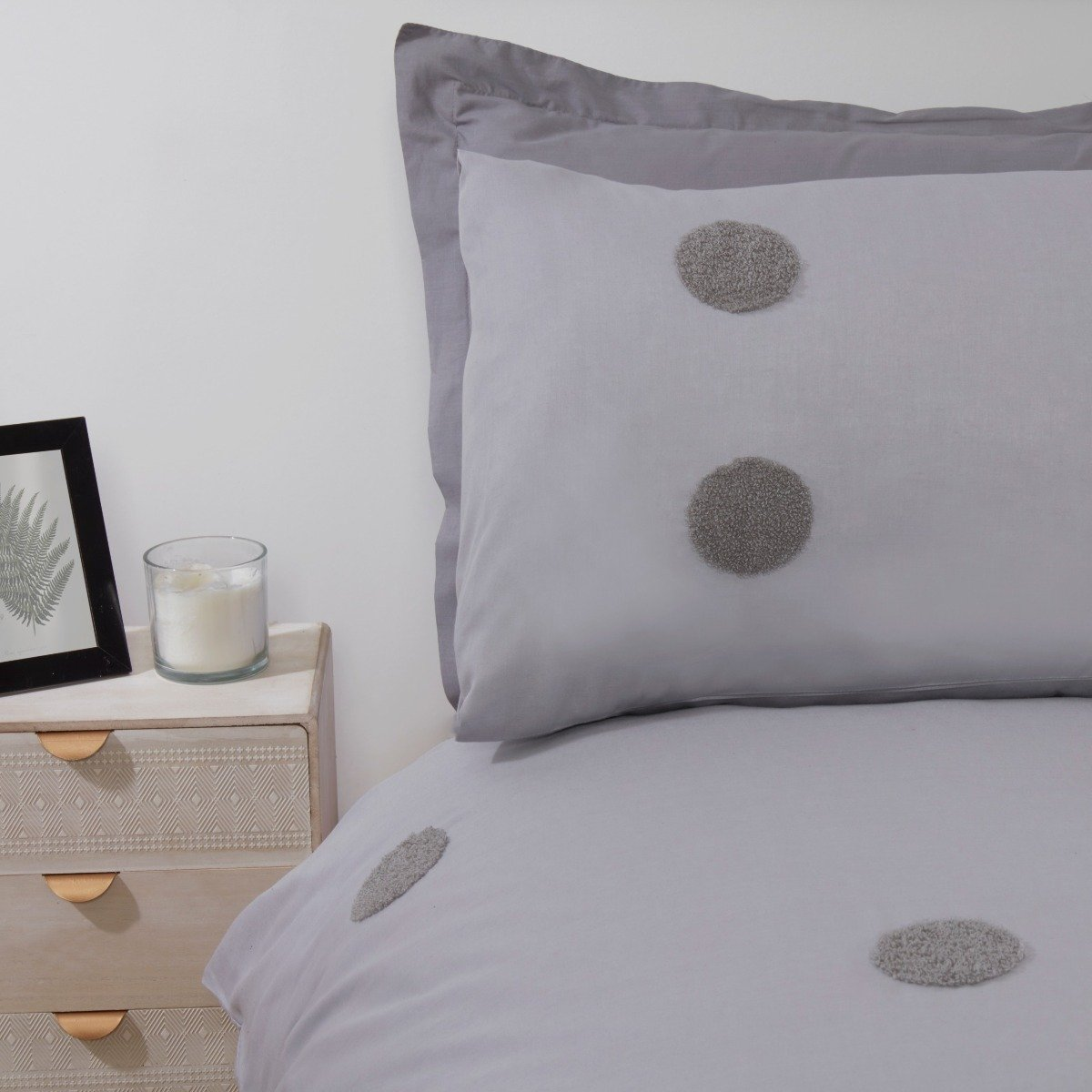 Embroidered Circles Grey Bedding - Duvet Cover and Pillowcase Set