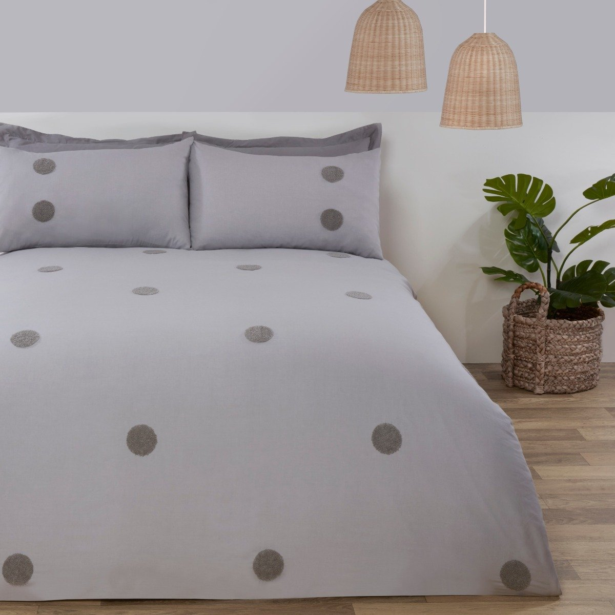Embroidered Circles Bedding - Duvet Cover and Pillowcase Set