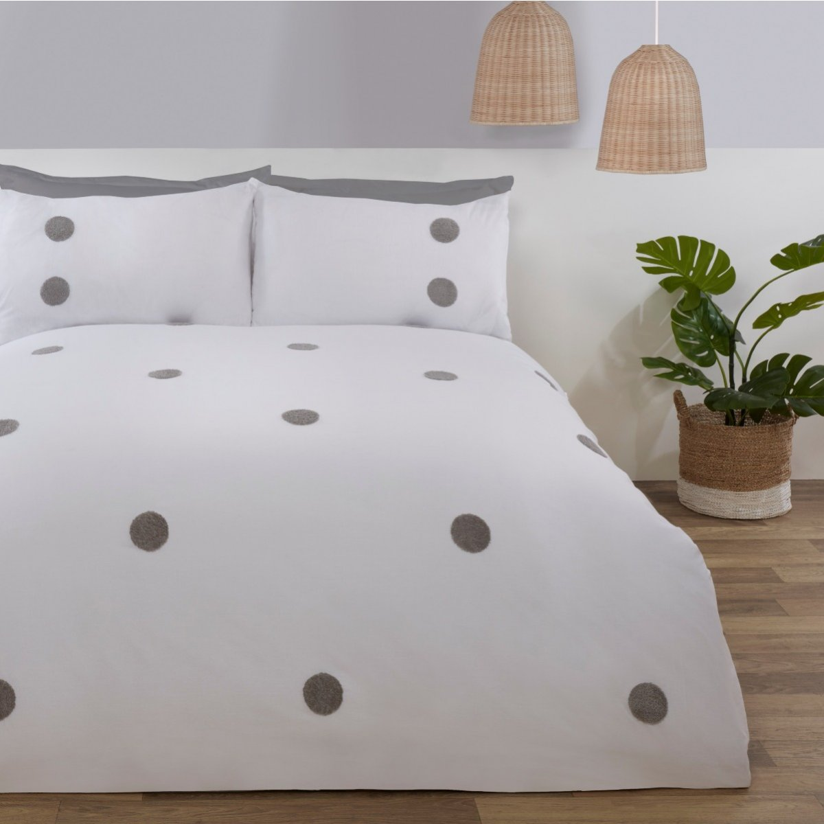 Embroidered Circles White Bedding - Duvet Cover and Pillowcase Set