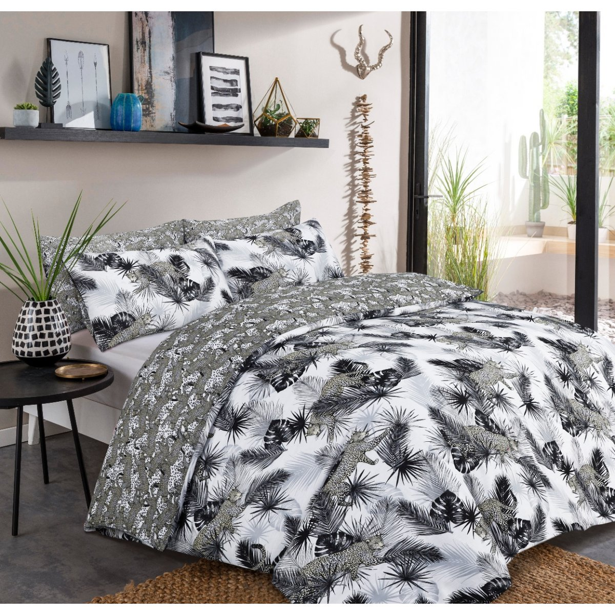 Leopard Jungle Monochrome Bedding - Reversible Duvet Cover and Pillowcase Set