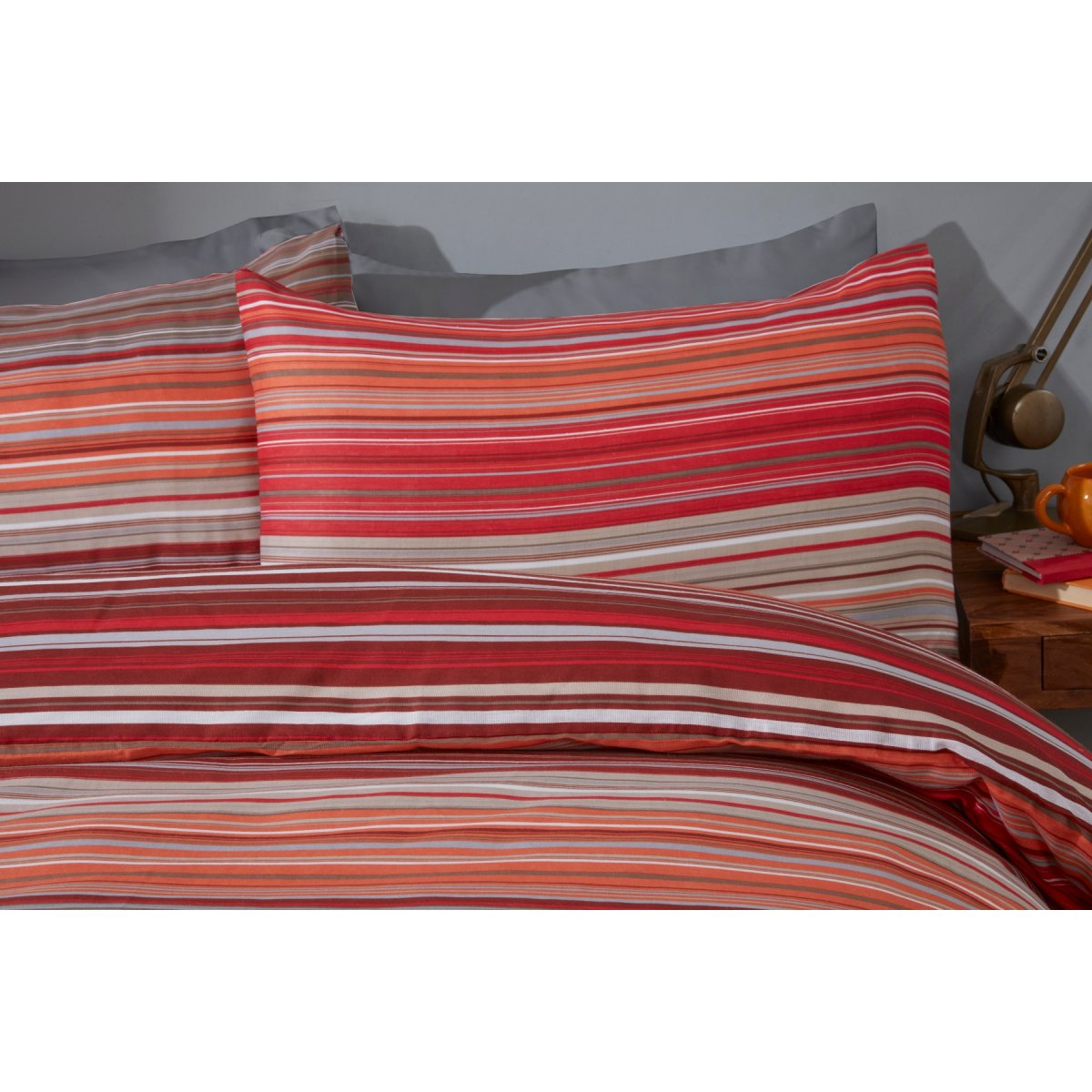 Ombre Stripe Red Bedding - Reversible Duvet Cover and Pillowcase Set