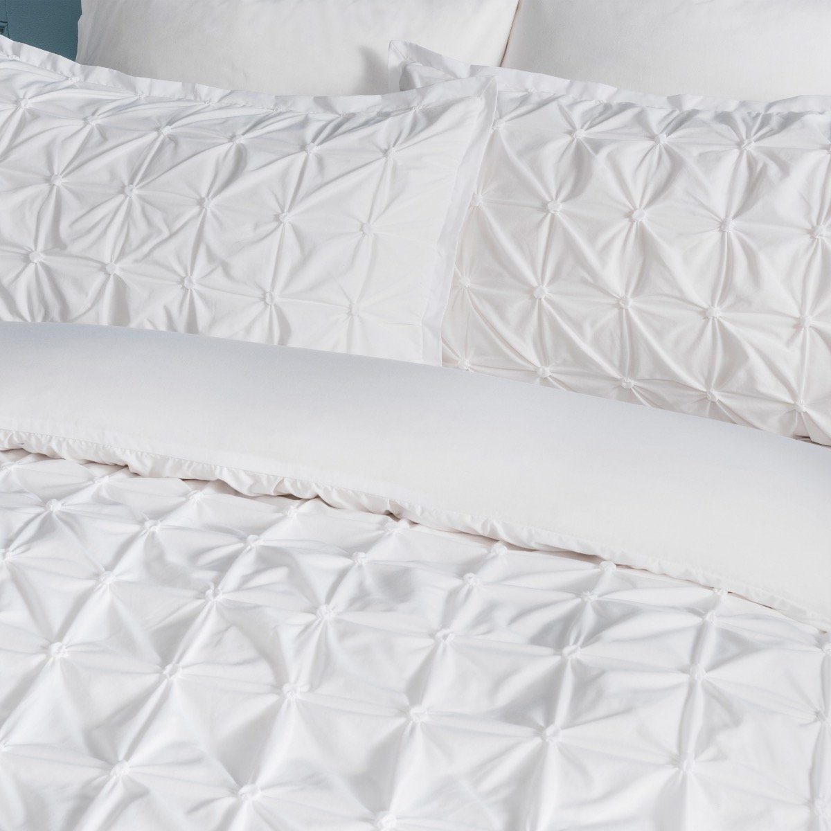Rouched Pleat White Bedding Set Sleepdown Official Uk Duvet Cover Sets Bedding Linen