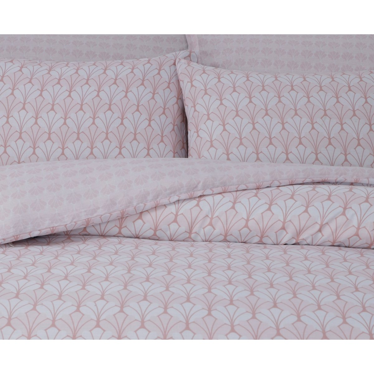 Scallop Blush Bedding - Reversible Duvet Cover and Pillowcase Set