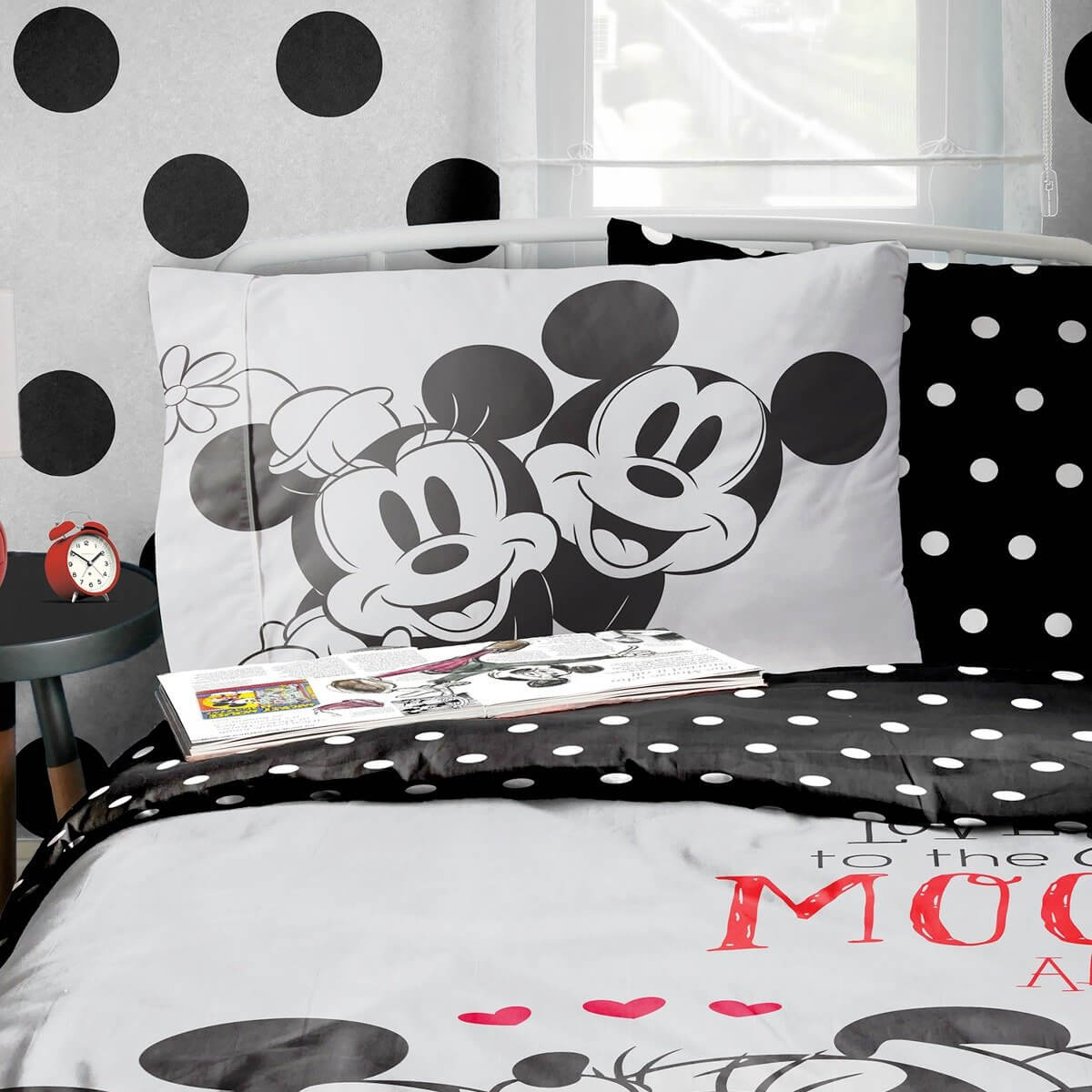 Minnie And Mickey Love You To Moon Bedding - Reversible Duvet Cover and Pillowcase Set