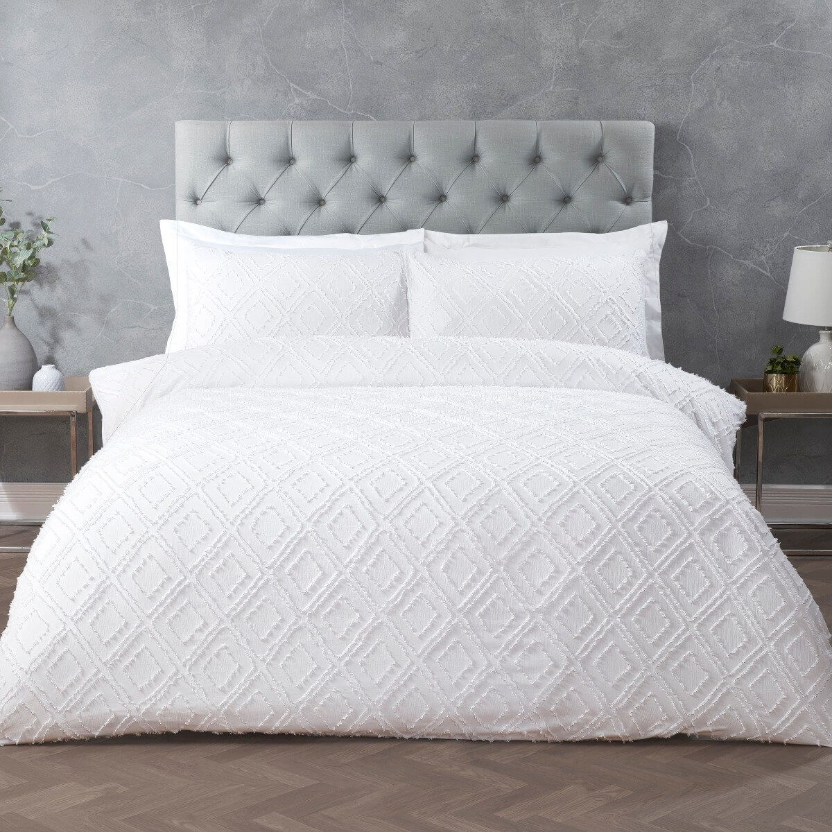 Geo Tufted White Bedding Reversible Duvet Cover And Pillowcase Set