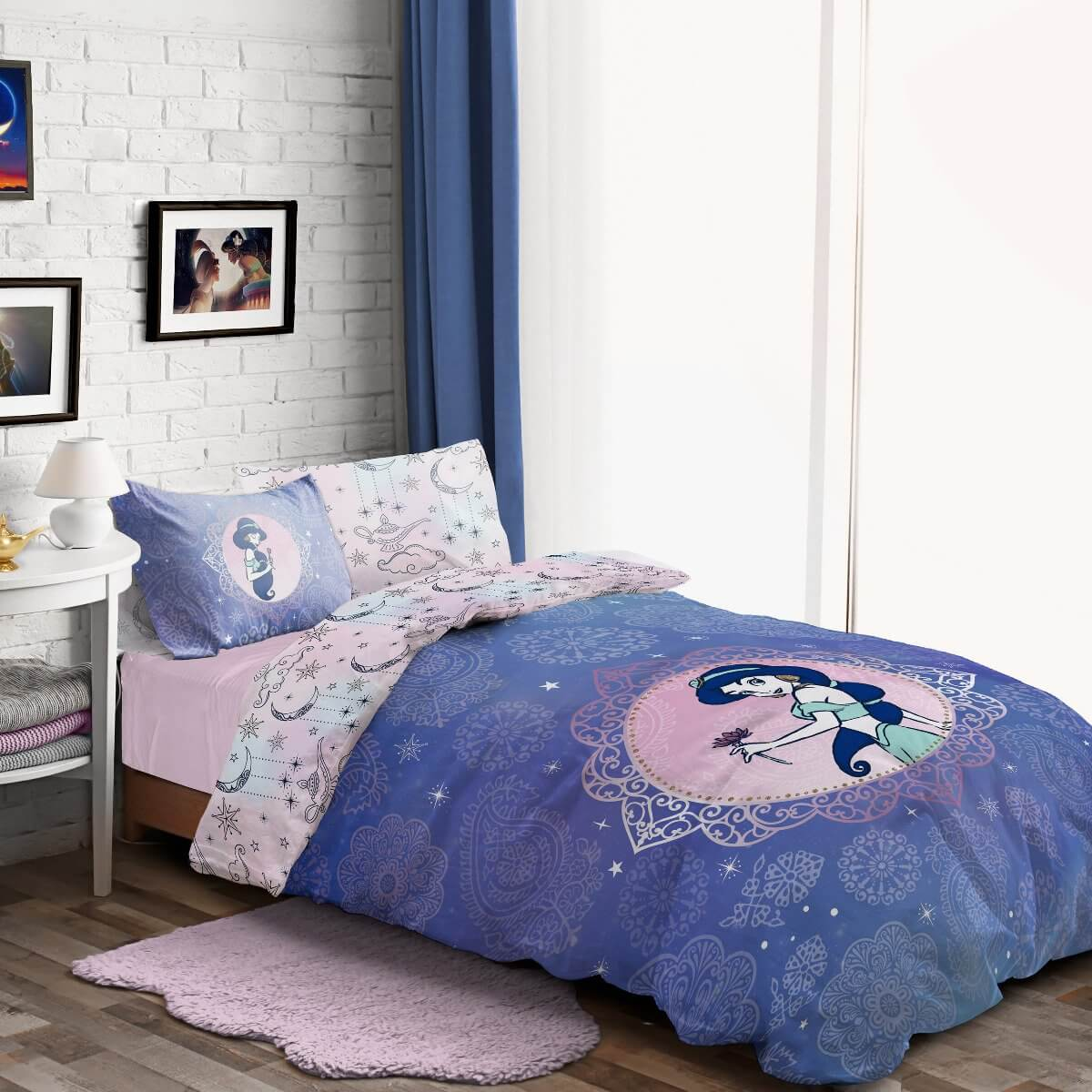 Aladdin Pretty As Paisley Bedding - Reversible Duvet Cover and Pillowcase Set